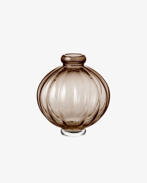 Louise Roe Balloon Vase 01 Smoke