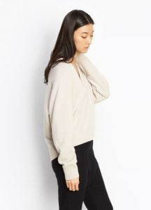 Ragland V-neck linen side