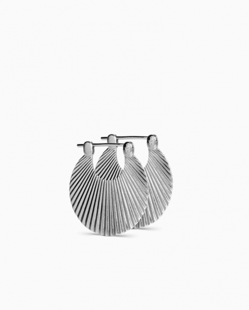 Small Shell earring in matt, sterling silver