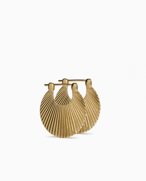 Small Shell earring in matt, forgyllet sølv